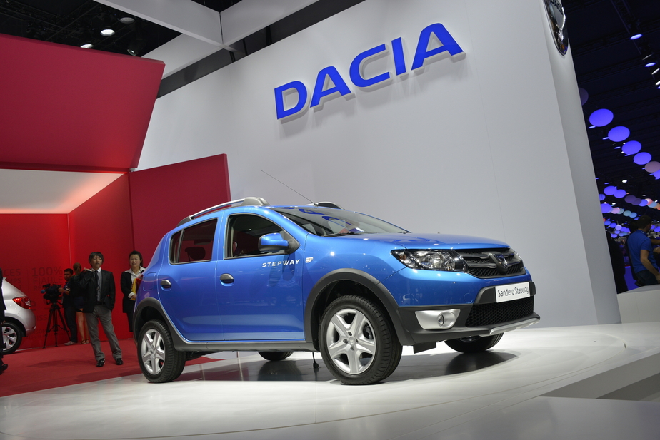 dacia sandero stepway tce 90 11 photos. Black Bedroom Furniture Sets. Home Design Ideas