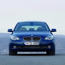 BMW 530i Touring Executive (E61)