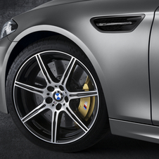 According to BMW the M5 30 Jahre M5 can sprint to 100km/h in just 3.9 seconds...