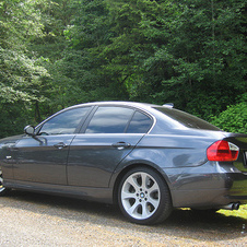BMW 330i Automatic (US)
