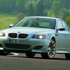 The fourth M5 and the M6 coupe used a new high revving, 5.0l V10