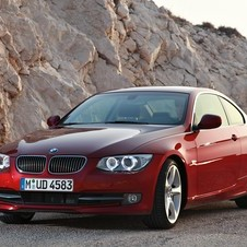 BMW 325i Coupé Edition Exclusive xDrive AT