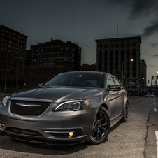 The Carhartt Chrysler 200 gets black details