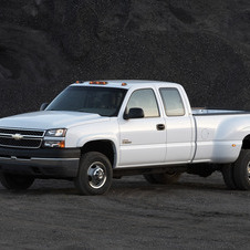 Chevrolet Silverado 3500HD Extended Cab 4WD Work Truck Long Box SRW