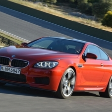 The new M6 uses the same 560hp, 4.4 liter twin-turbo V8 from the F10 M5, ...