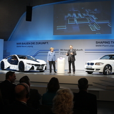 Merkel spoke at the Frankfurt Motor Show about lowering CO2 emissions harming German jobs