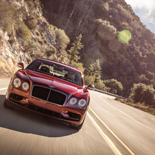 The Flying Spur V8 S is equipped with the same engine of 4.0 liter of the V8 version but the output has increased to 528hp