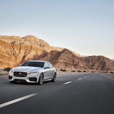 The coupe design of the new XF keeps the elegant and simple lines featuring the image of the current Jaguar range