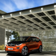 BMW will offer rooftop solar cells that can charge the i3