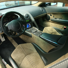 The interior was also exclusive to the car made from carbon fiber and Alcantara