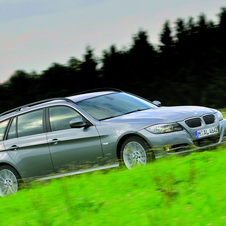BMW 335i Touring Edition Lifestyle xDrive Automatic