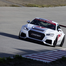 The Audi TT Cup uses the same lightweight steel and aluminum chassis from the TT and weights a total of 1125kg
