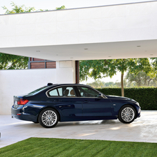 BMW 335i AT Luxury