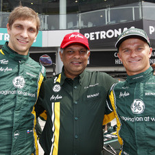 Fernandes made is fortune from AsiaAir and is now building Caterham