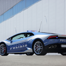 The Huracán Polizia is powered by a 610hp 5.2l V10 engine and reaches a top speed of 325km/h