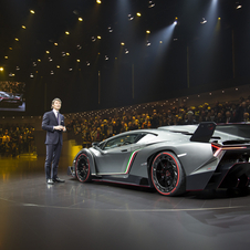 The Veneno rides on 20in front wheels and 21in rear wheels