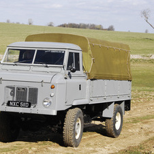 Land Rover Series II 110