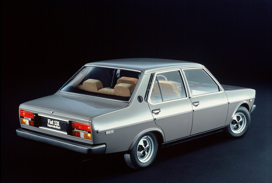 fiat_131_supermirafiori_1300_4_door_salo