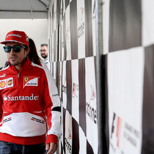 Alonso says he is ready to take on Vettel