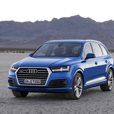 The second generation of the Q7 is based on a significantly reviewed version of the Audi MLB platform