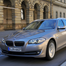 BMW 535i Touring xDrive AT