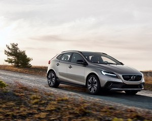 V40 Cross Country D2