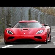 Koenigsegg Agera R - 402km/h fly by on the Nurburgring!